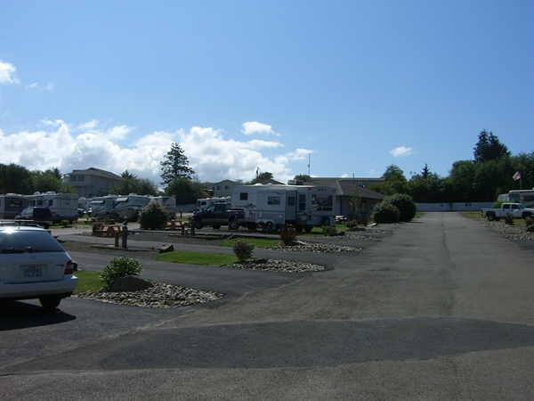 Devils lake rv park lincoln city or gps campsites for Devils lake oregon fishing