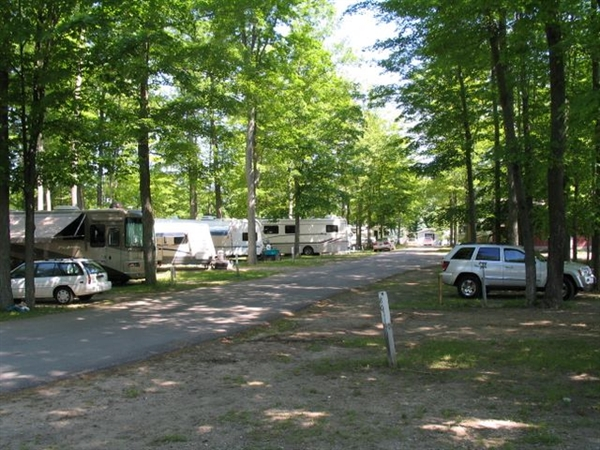 Chain O'Lakes Campground, Bellaire, MI - GPS, Campsites ...