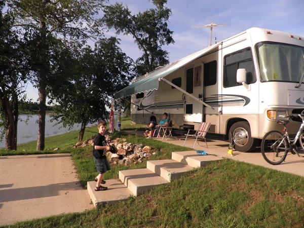 Coe hugo lake kiamichi park sawyer ok gps campsites for Camping cabins in oklahoma