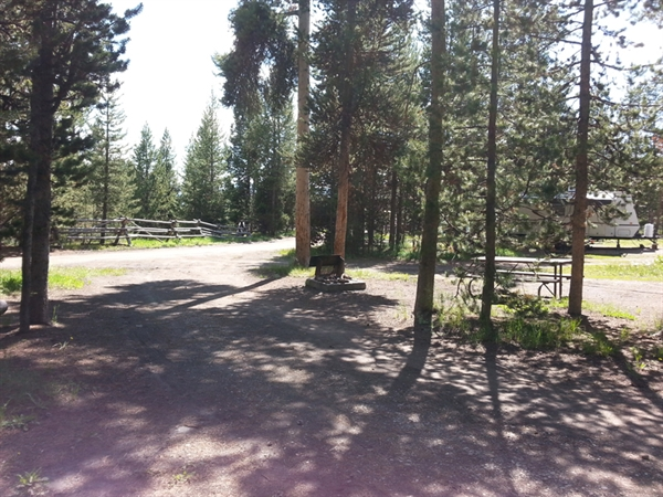 Grand teton national park headwaters campground and rv for Headwaters cabins gran teton recensioni