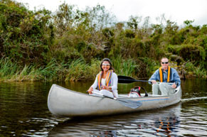 Couple canoeing in Everglades National Park