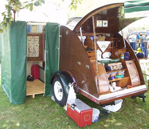 Teardrop camper with kitchen