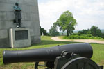 Cannon and statue at Vicksburg National Military Park