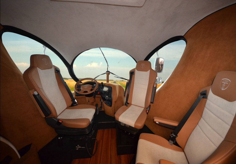 eleMMent palazzo RV cockpit with three configurable seats