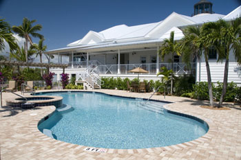 Pool at Everglades Isle Motorcoach Resort