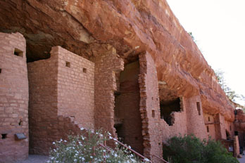 Manitou Cliff Dwellings, buildings from stones recovered from ancient Anasazi sites